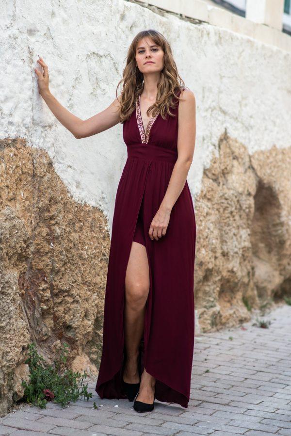 vestido de fiesta burdeos